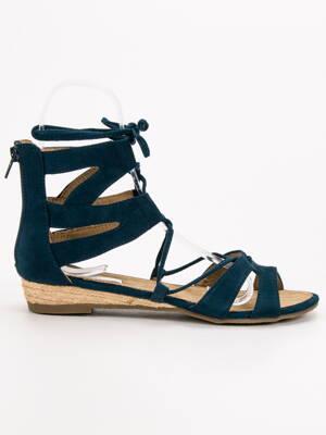 84298efdf577 Sandále na nízkom podpätku