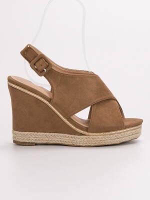 22a225dcd2d5 Hnedé sandále na platforme 66-368C