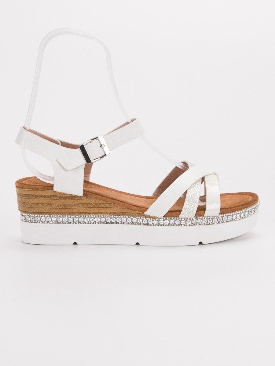 4abd15c750d0 Biele sandále s kamienkami GG-64W