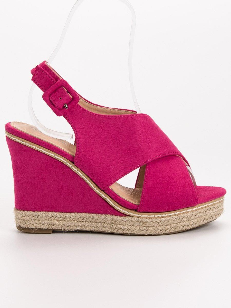 108f799b71 Ružové sandále na platforme 66-368FU