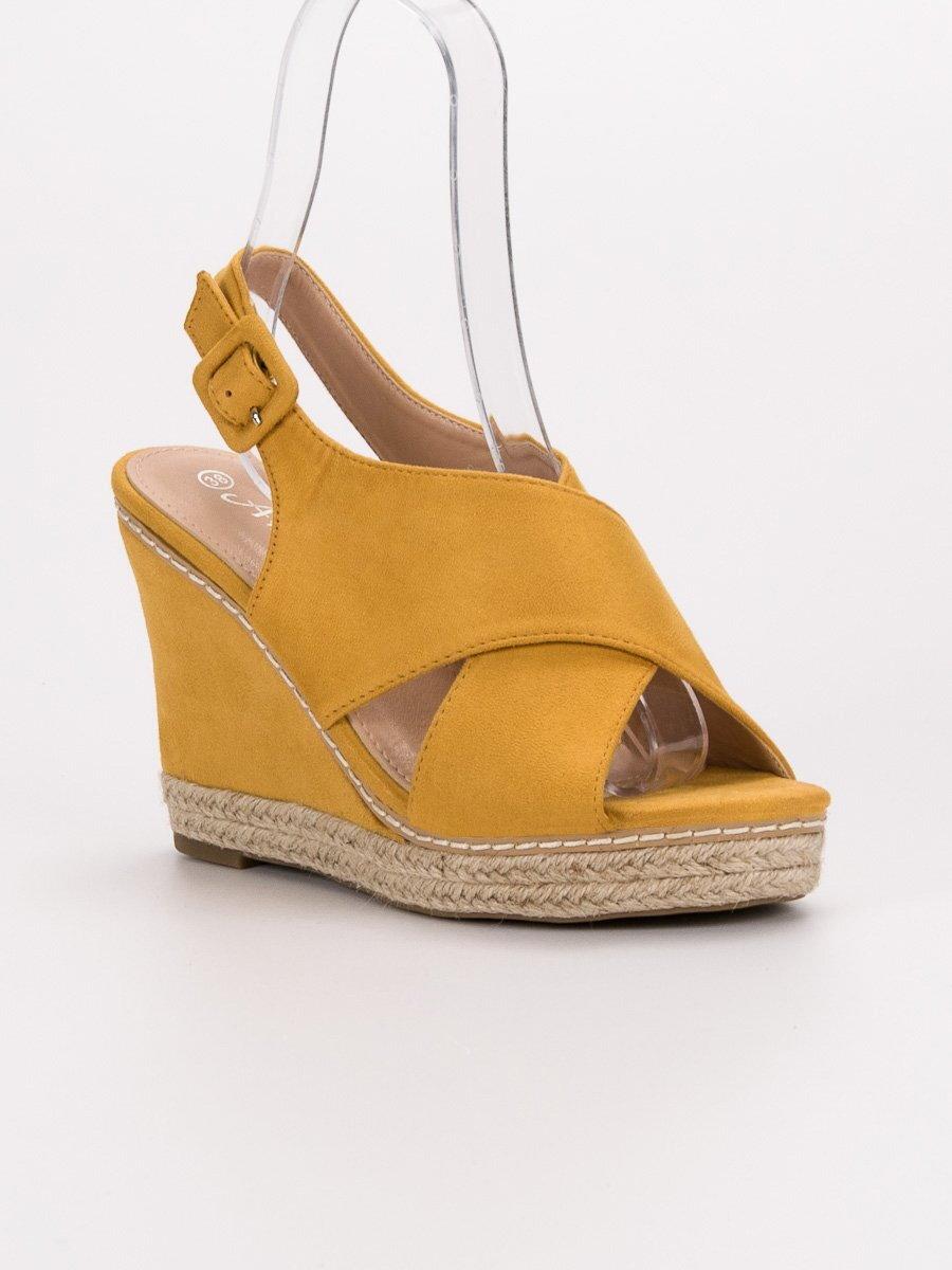 f8881b691 Žlté sandále na platforme 66-368Y