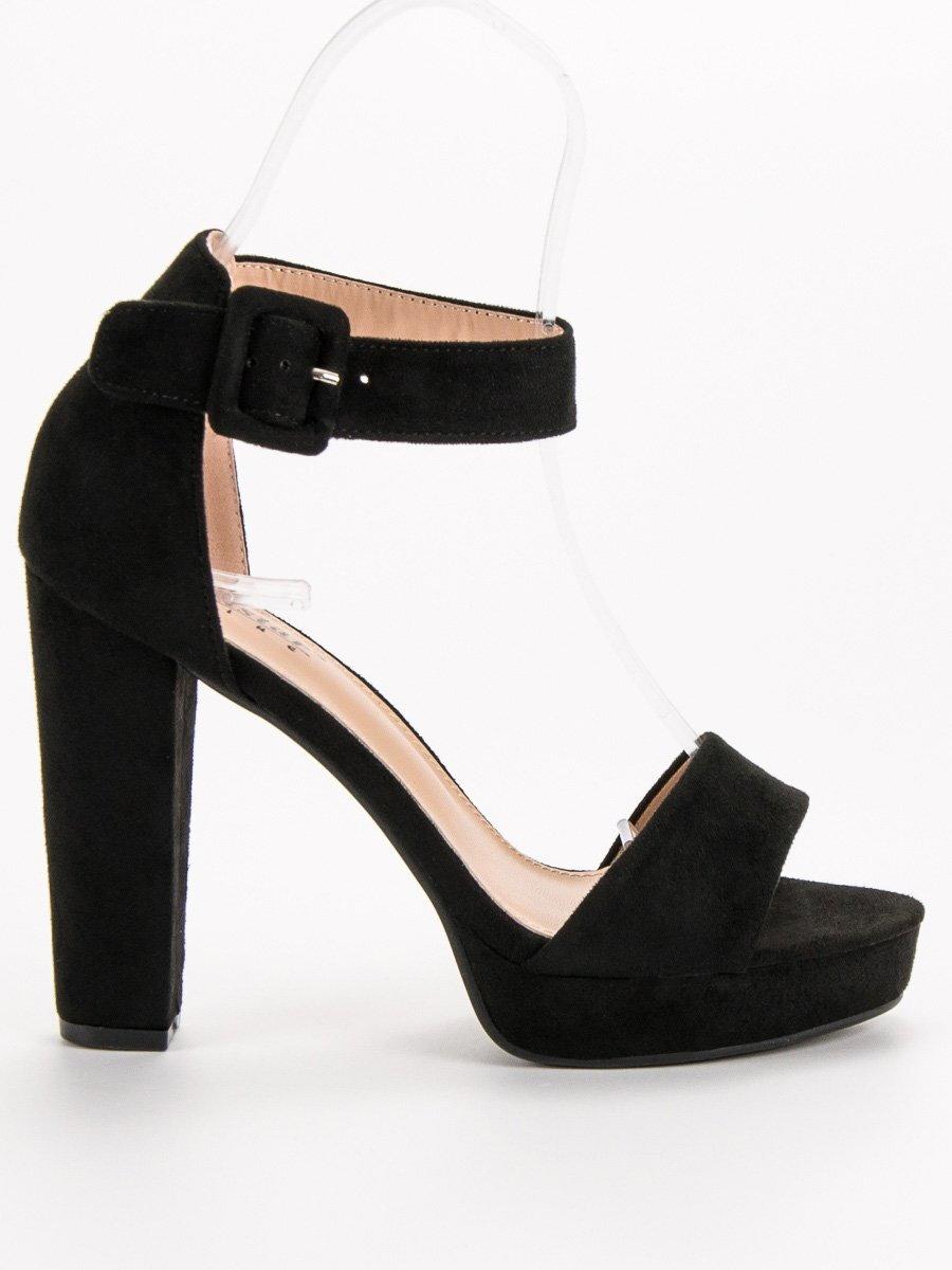 7d256b71cab3 Čierne sandále na platforme KK20B