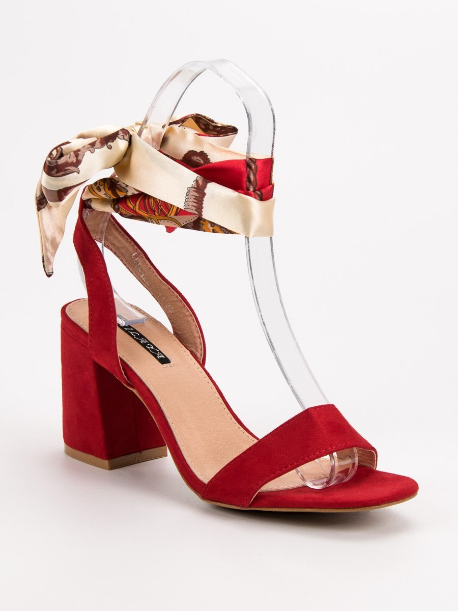 5be4b07df6700 Červené šnurovacie sandále