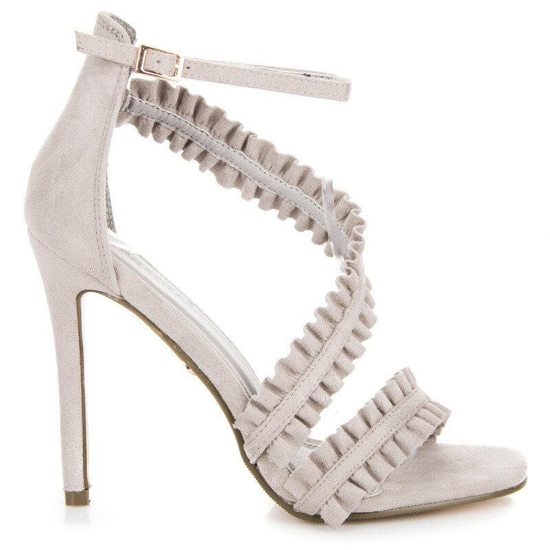 5f664efe2f82 Sivé sandále na podpätku