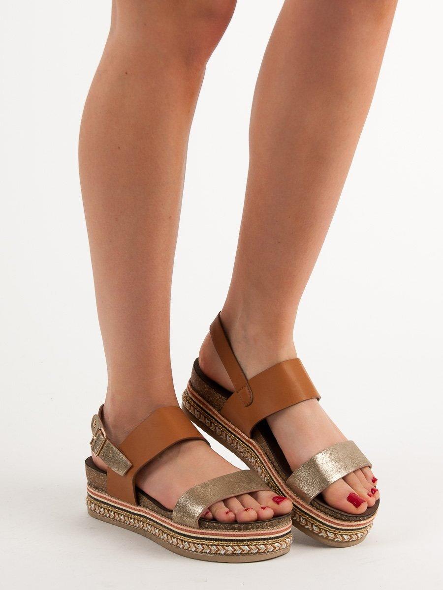 24e6dd4de899 Hnedé sandále na platforme AK26C