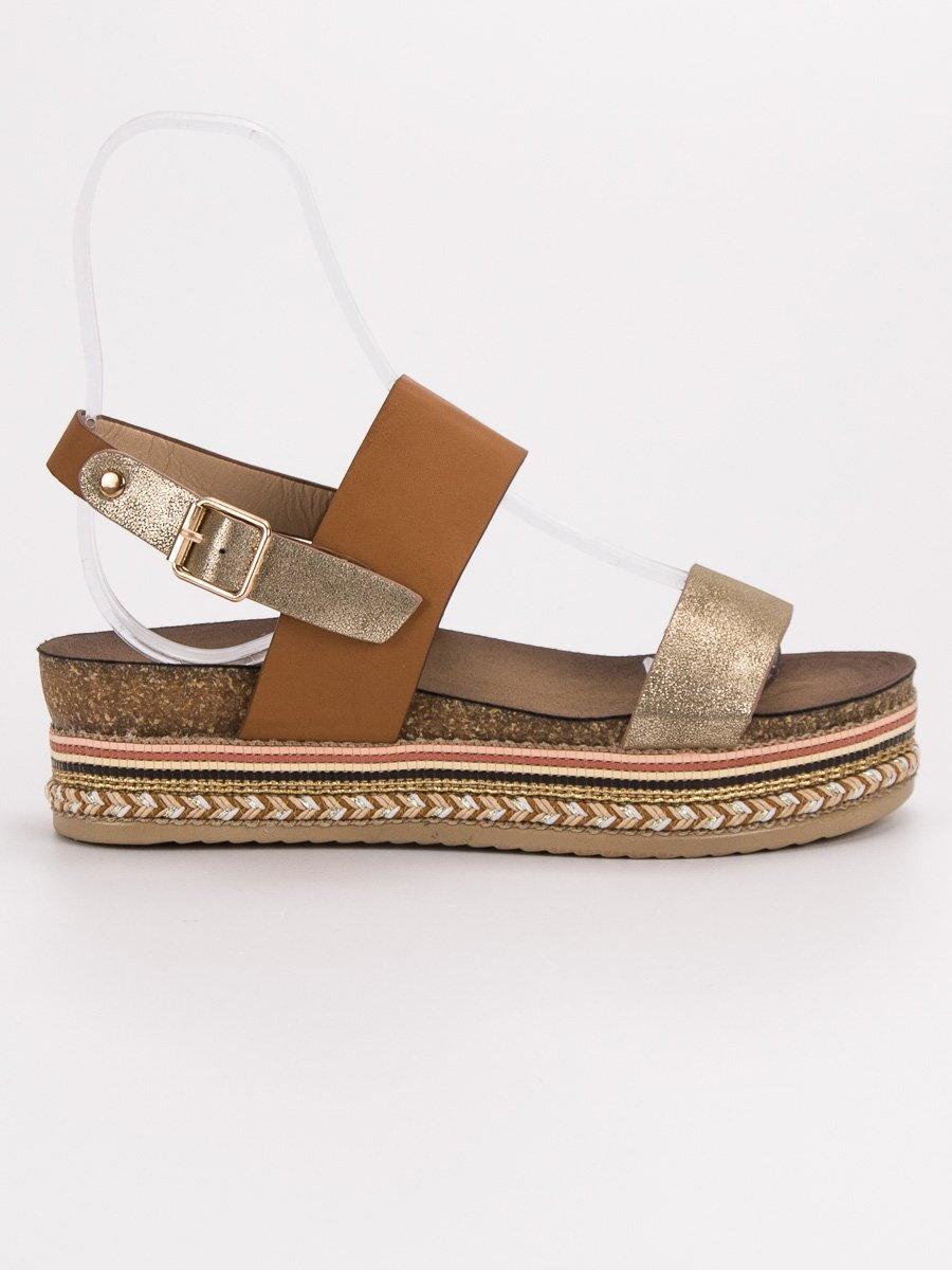 15c3b7b44698 Hnedé sandále na platforme AK26C