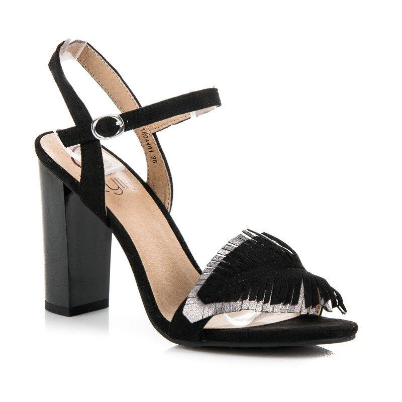 e399e2ab61a02 Čierne sandále na hrubom opätku K1804401NE