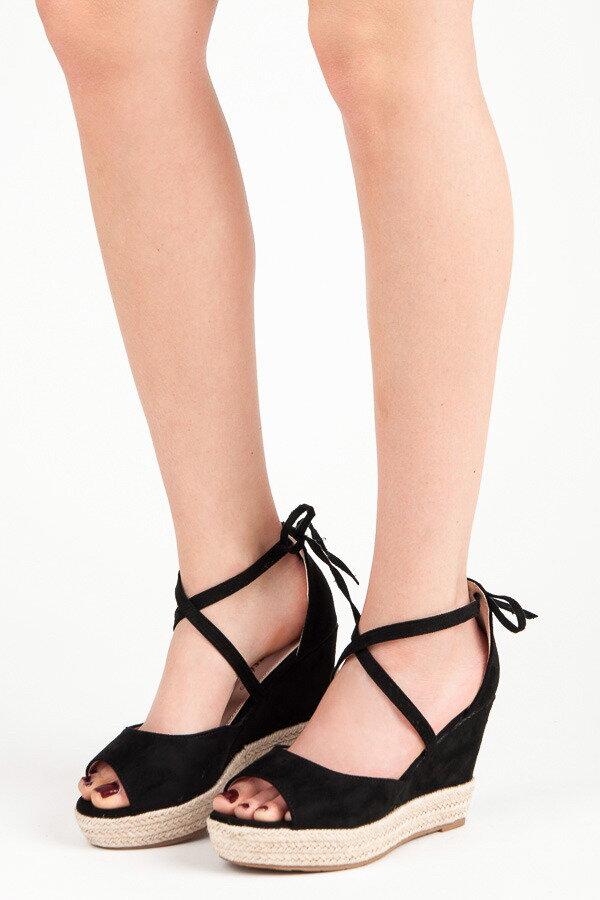 49647a7bf8e0 Vysoké čierne sandále-výpredaj
