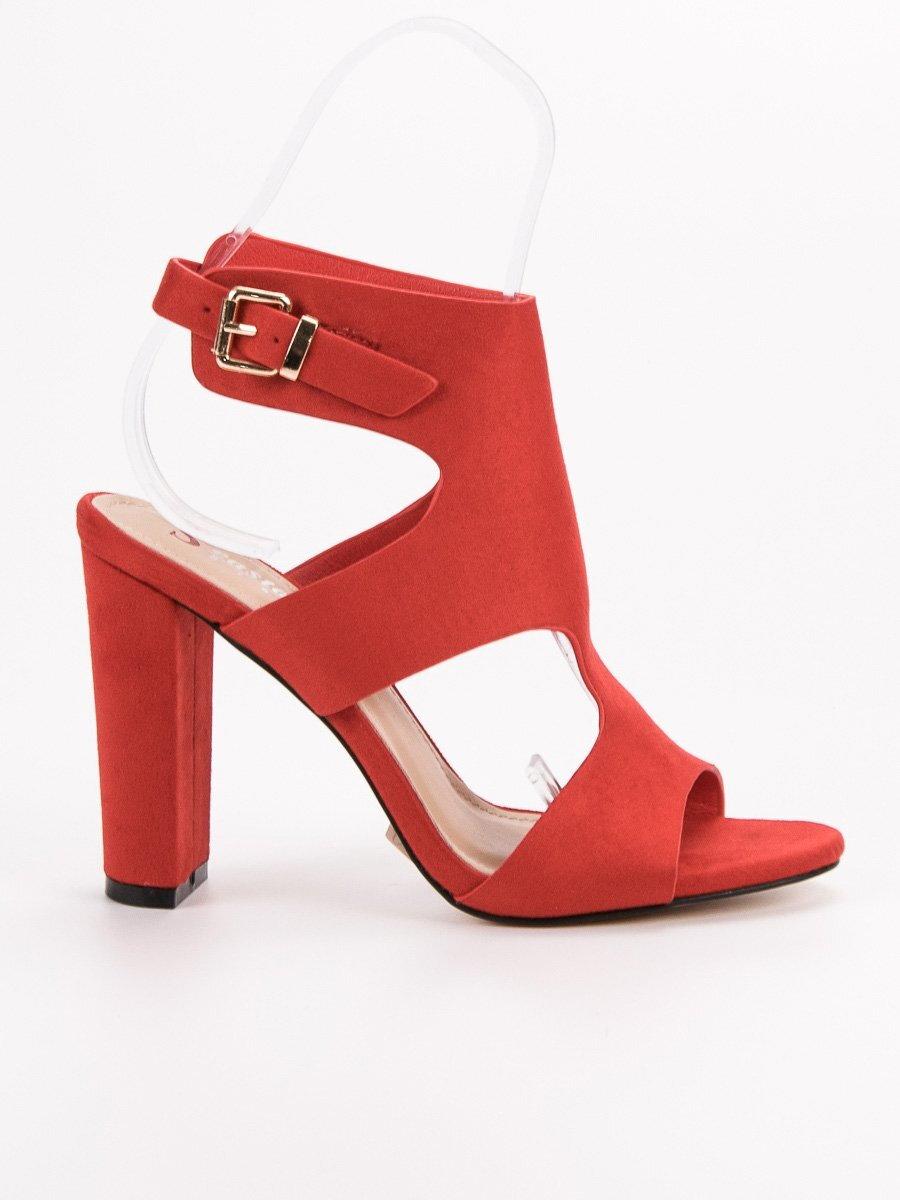 90b87c63ef9a Elegantné červené sandále M295R