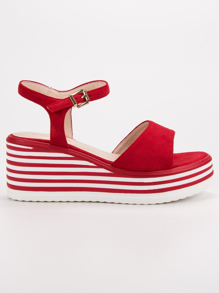 47aa3cb6c2 Červené sandále na platforme LN19-4548R
