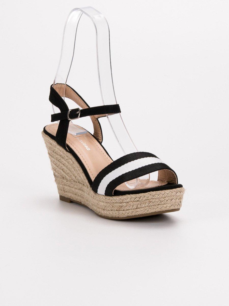 22a9a6c30d Čierne vysoké sandále na platforme 9072B. PrevNext