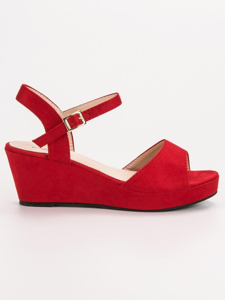 ba80066bbf11 Červené dámske sandále s platformou K-7R