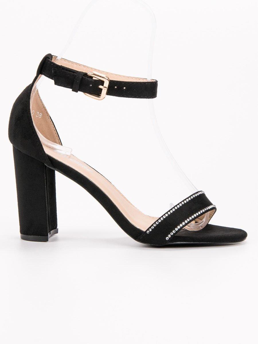 61608c5c21c4e Čierne sandále s kamienkami A8020B